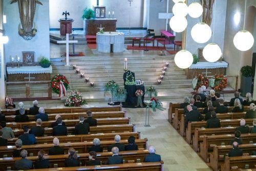 In der Heilig-Kreuz-Kirche in Bludenz nahm die Trauergemeinde Abschied von von Alt-LR Lins Abschied.