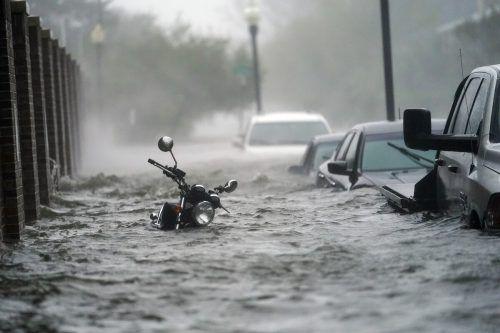 In Pensacola (Florida) flutete Meerwasser die Straßen der Innenstadt. AP