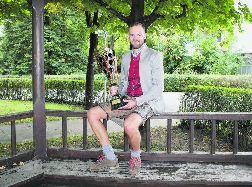 KAC-Torhüter David Madlener wurde von den Hörern des Kärntner Eishockeymagazins zum Superstar der vergangenen Saison gekürt. Vor zwei Jahren konnte sein Vorarlberger Klubkollege Manuel Ganahl die Trophäe für diese Wahl entgegennehmen. kuess
