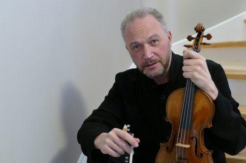 Kolja Blacher steht in dieser Abo-Saison nicht nur als Solist auf der Bühne, er leitet das Symphonieorchester Vorarlberg auch als Dirigent.Bühmann