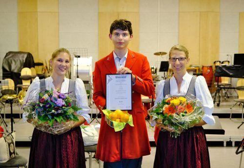 Leistungsabzeichen für Jungmusikanten der Stadtkapelle Bregenz-Vorkloster (von links): Corina Harrich, Raphael Andres und Verena Steurer.StKBV