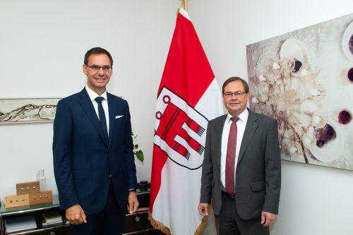 LH Wallner (l.) würdigte die Leistung des scheidenden LAD Eberle. VLK