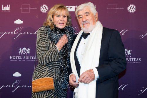 Mario Adorf mit seiner Ehefrau Monique. dpa