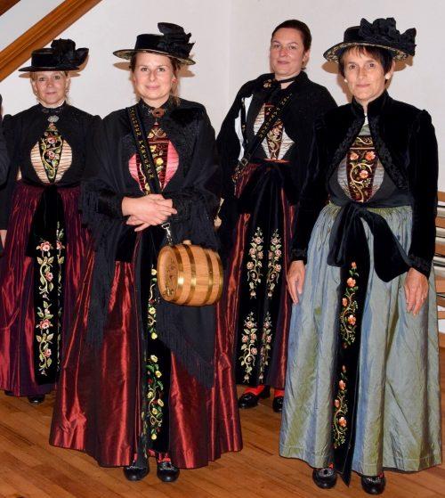Marketenderinnen der Bürgermusik Gaschurn-Partenen: Angelika Berger, Verena Sandrell, Carola Tschofen und Irmtraud Rudigier.