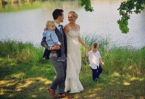 Melanie und Martin feierten am 11. September ihre kirchliche Hochzeit. Auch für ihre Kinder Philipp und Lukas war es ein besonderer Tag.
