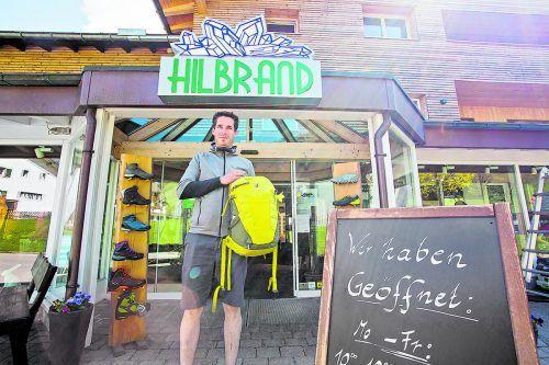 Mit der Reisewarnung sorgt sich auch Daniel Hilbrand um die wirtschaftliche Zukunft. Die Winterware sei gerade angeliefert worden, so der Unternehmer. Steurer