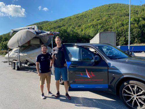 Mit viel Gepäck auf dem Weg nach Santander ist Vorarlbergs 470er-Segelduo David Bargehr (links) und Lukas Mähr.VN