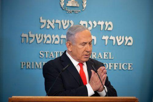 Netanjahu kündigt mögliche weitere Verschärfungen an. reuters