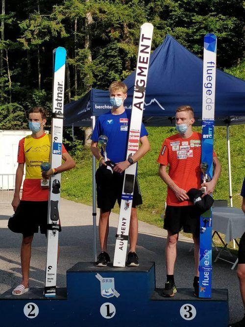 Niklas Bachlinger (r.) darf sich in Berchtesgaden über seinen ersten Sieg freuen.Privat