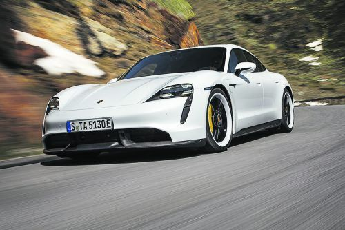Porsche will jährlich 20.000 Einheiten des elektrischen Super-Sportlers Taycan produzieren. Trotz Coronakrise sei man im Plan, heißt es beim Hersteller aus Zuffenhausen.Werk