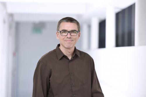 """Professor Niko Beerenwinkel wird im Theater Kosmos in Bregenz über """"Bioinformatische Methoden für die Präzisionsmedizin"""" referieren."""