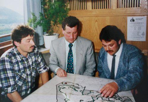 Rauch (r.) im Gespräch mit dem ehemaligen Landesrat Erich Schwärzler und dem damaligen GV Armin Rauch. Gemeinde