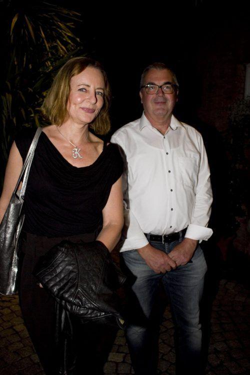Respektvoller Abstand: Karin Dragosits und Manfred Bolter.