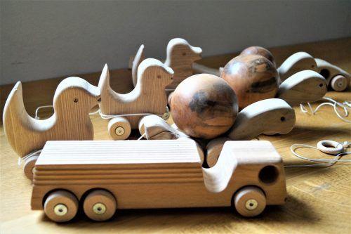 Roland Bär entwickelt in seiner Werkstatt ständig neue Spielzeugkreationen.yas/2