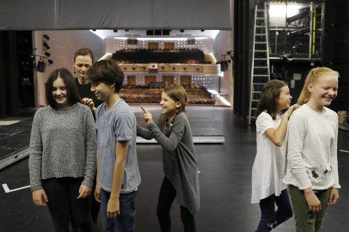 Schülern soll eine aktive Begegnung mit der Vielfalt des Theaters geboten werden. ANja Köhler