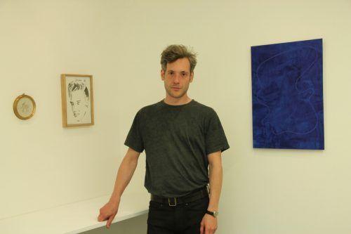 """Sebastian Koch zeigt in der Galerie.Z in Hard unter anderem ein Porträt von """"The King"""" Elvis. AG"""