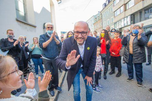 So sehen Sieger aus. Michael Ritsch hat die große Sensation in Bregenz geschafft und Amtsinhaber Markus Linhart vom Bürgermeistersessel gestoßen.