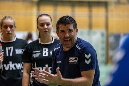SSV-Coach Roger Bertschinger war mit der gezeigten Leistung seiner Mannschaft nach dem 19:31 gegen Perchtoldsdorf überhaupt nicht zufrieden.Verein