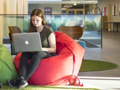 Studierende vergaben Spitzenwerte für digitalen Lehrbetrieb. rogenmoser