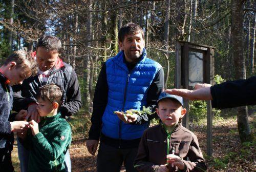 Väter und Kinder gemeinsam unterwegs.vfv