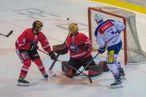 VEU Feldkirch und die GCK Lions lieferten sich beim 2:3-Testspiel einen harten Fight. Heute Abend gastiert der HC Thurgau in der Vorarlberghalle.steurer