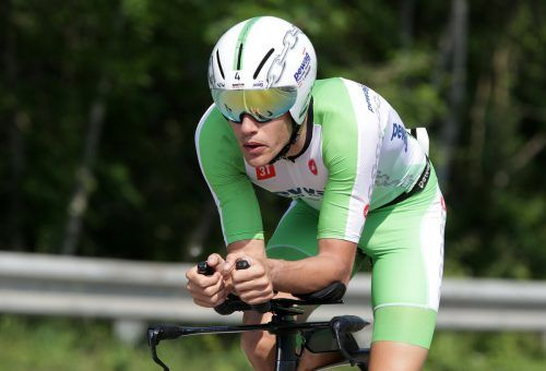 Vom Anfang an im Tritt. Thomas Steger holte im Radbewerb 16 Sekunden Rückstand auf Leon Pauger auf, kürte sich auf dem Rundkurs zum Sieger.gepa