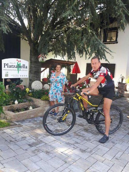 """Von seinem Urlaubsdomizil """"Haus Platzabella"""" aus unternimmt Peter Müser ausgedehnte Radtouren. Bei Imelda Dönz quartiert sich der Deutsche seit 1992 einMüser"""