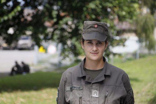 Wachtmeister Carmen Wittwer ist Klarinettistin bei der Militärmusik Vorarlberg. VN/LIW
