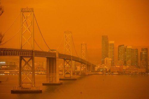Wegen den verheerenden Waldbränden in Kalifornien hat sich der Himmel in San Francisco orange verfärbt. AFP