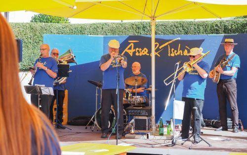 Zum Auftakt spielt die Imperial Jazzband in Thüringen auf.