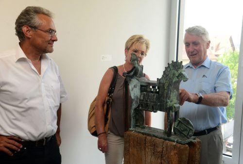 Alwin Rohner bei einer Führung durch sein Museum. hapf