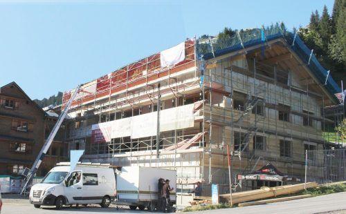 An Stelle einer Werk- und Lagerhalle entsteht in Schröcken-Oberboden ein Appartementhaus mit 13 Einheiten und rund 70 Betten zur gewerblichen Vermietung.