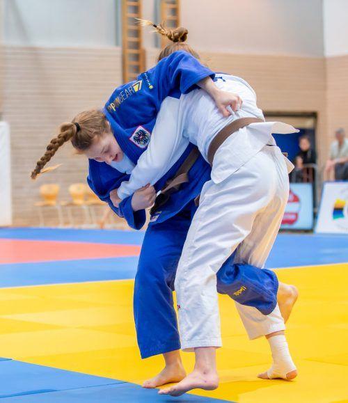 Anna-Lena Schuchter (in Blau) unterlag im Goldduell Michaela Polleres. ÖJV/Seller