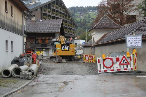 Aufgrund der Sanierung der Silvrettastraße ist in Schruns derzeit eine großräumige Umleitung erforderlich.str