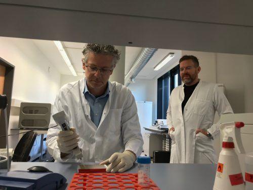 Axel Mündlein und sein Stellvertreter, Andreas Leiherer (r.) sind zu Recht stolz auf das, was das Vivit-Institut bislang hervorgebracht hat.vn/mm
