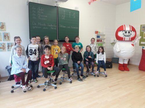 Bei der Helmi-Aktion erfuhren die Schüler der ersten und zweiten Klasse viel Wissenswertes und . . .