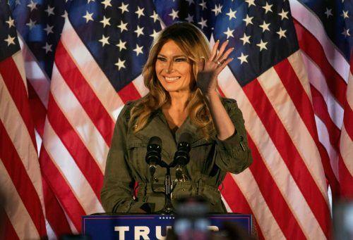 Bei einem Auftritt in Atglen im US-Staat Pennsylvania wirbt First Lady Melania für ihren Mann, Präsident Donald Trump. AFP