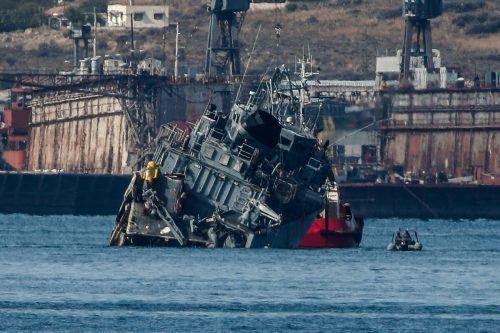 Das Minensuchboot wurde bei einer Kollision mit einem Frachter beschädigt. AFP