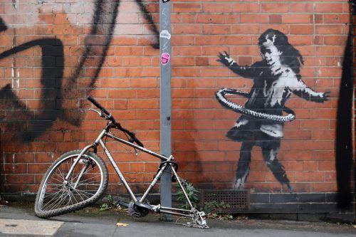 Das neue Werk von Banksy wird in Nottingham als Aufmunterung begrüßt. reuters