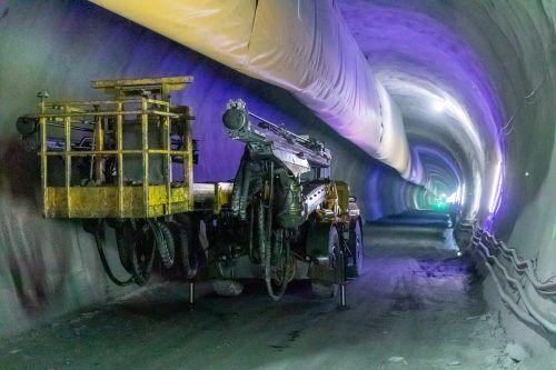 Dem Bahntunnel unter dem Brenner droht eine weitere Verzögerung. apa