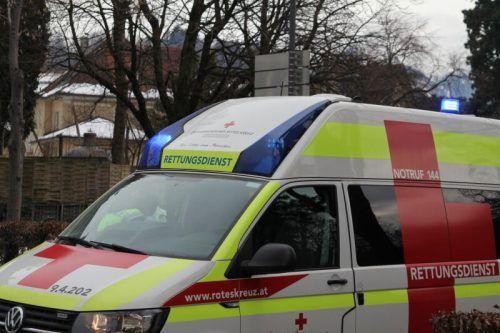 Die Rettung versorgte die Verletzte. vn