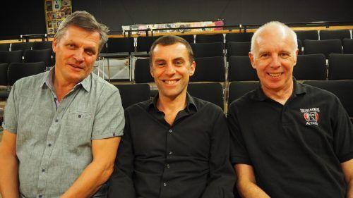 Der Kabarettist aus Bayern war bereits vor einem Jahr auf Einladung von Harald Ponier und Obmann Alfred Bargetz zu Gast in Altach. CEG