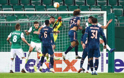 """Der Kopfballtreffer von David Luiz (Nummer 23) leitete den Umschwung zugunsten der """"Gunners"""" ein.Reuters"""