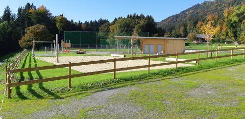 Der modernisierte Sportplatz in Düns wird auch ohne offizielle Eröffnungsfeier von der Allgemeinheit genutzt.Gemeinde