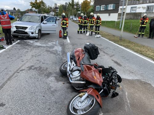 Der Motorradfahrer dürfte beim Überholen ein entgegenkommendes Autos übersehen haben. Vol.at/Vlach