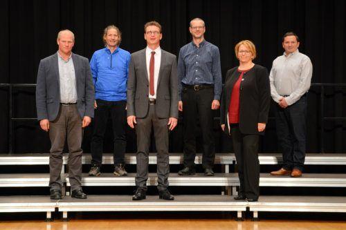 Der neue Gemeindevorstand (es fehlt Wolfang Weber) in Altach mit Bürgermeister Markus Giesinger (3. v. l.) und Vizebürgermeisterin Susanne Knünz-Kopf. Gemeinde
