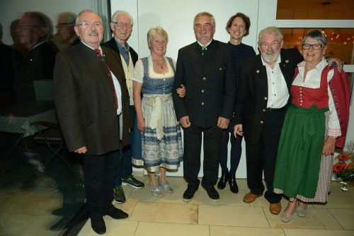 Der Vorstand der Oberösterreicher (von links): Rudi Öller, Werner Kaplaner, Cilli Wieser, Willi Kaar, Doris Feichtinger, Alt-Obmann Hans Kallinger und Sieglinde Bernegger.hapf