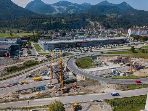 Die Arbeiten beim Umbau der Anschlussstelle Bludenz–Bürs erfordern von Dienstag bis Donnerstag eine Sperre der Auffahrt in Richtung Bregenz. VN/STEURER