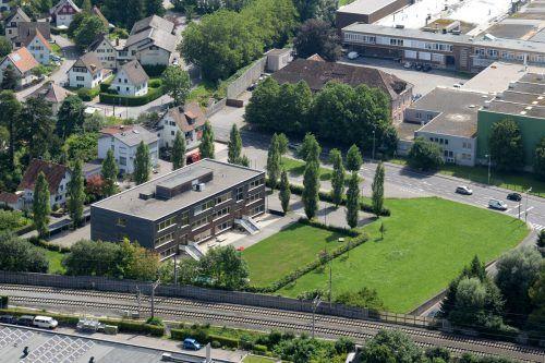 Die Ausweichschule habe sich bewährt, daher soll sie neu errichtet werden, sagt Bgm. Andrea Kaufmann.