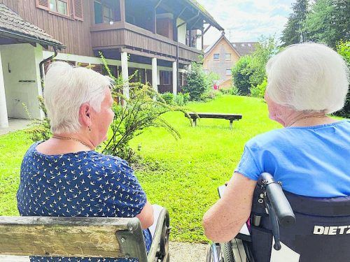 Die betreute Wohngemeinschaft für Demenzerkrankte stellt eine Alternative zum Pflegeheim dar.